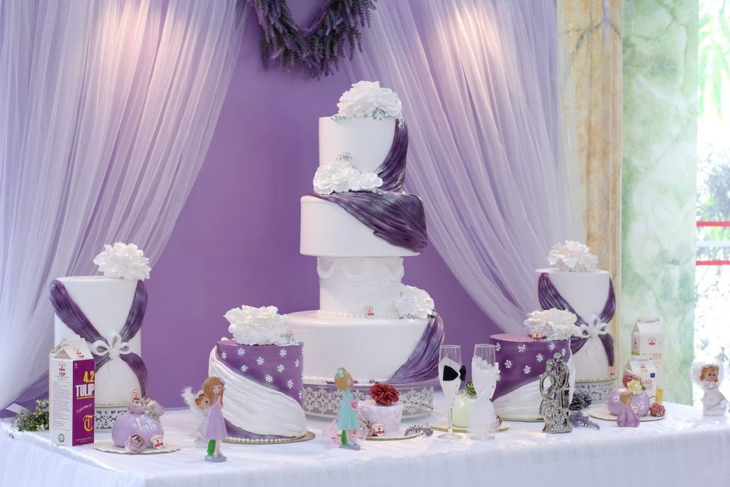 Hình ảnh các mẫu combo bánh kem trang trí cho ngày cưới