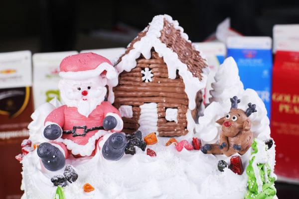 Hướng Dẫn Trang Trí Bánh Kem – Bánh Kem Noel Dịp Giáng Sinh
