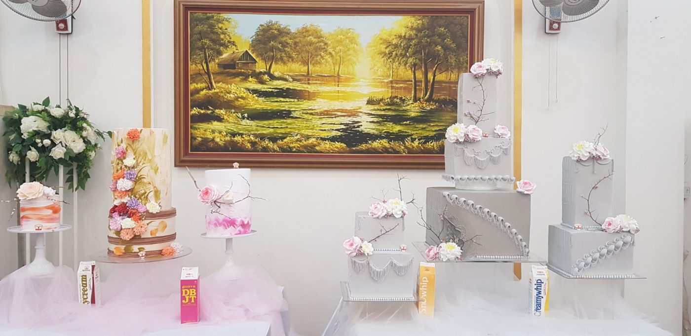 Hình Ảnh Set Bánh Kem Theo Chủ Đề: Giấc Mơ Hoa