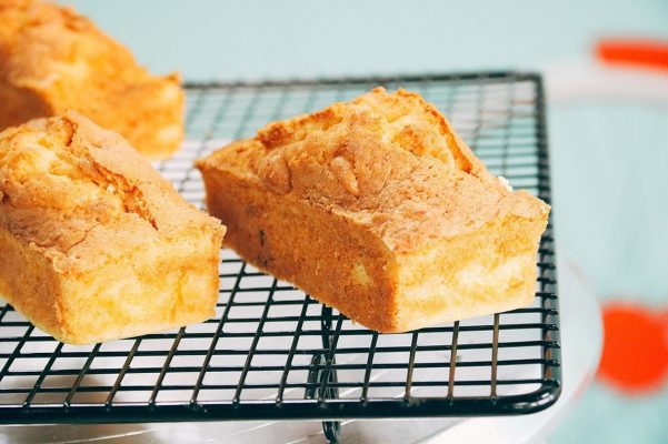 Bánh Cake Bơ Trái Cây