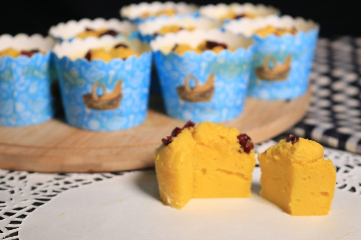 Muffin bí đỏ bằng nồi chiên không dầu