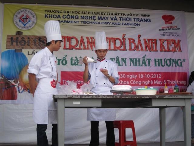 hội thi làm bánh đại học sư phạm kỹ thuật 06