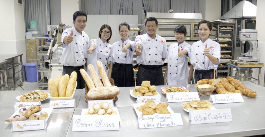 Học Làm Bánh Chuyên Nghiệp: Kỹ Thuật Làm Bánh Âu – Bánh Kem