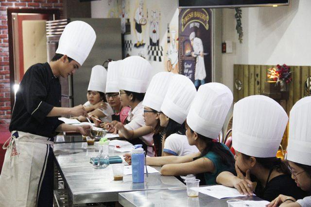 Lớp học làm bánh Let's Bake
